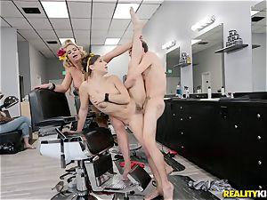 Hair dressers cunt boning Phoenix Marie and Abella Danger