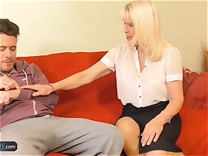 USAwives Rose wanking her labia Using playthings