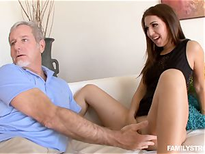 Ariana Grand gets a facial from her step-dad