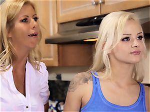 satan inside Pt 3 Elsa Jean and Alexis Fawx lezzie date