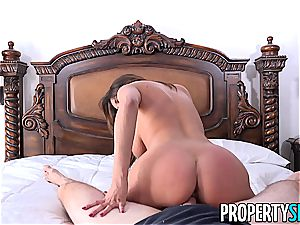 Anissa Kate instructs french love