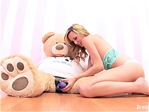 Brett Rossi plays with a slammed bear's strap-on fake penis
