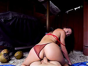 mischievous Aidra Fox loves to go down and dirty for money
