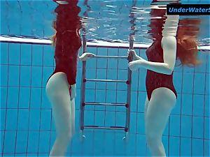 2 super-fucking-hot teenagers underwater