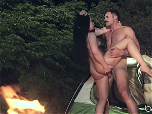 nubile hoe enjoys camping and outdoor smashing