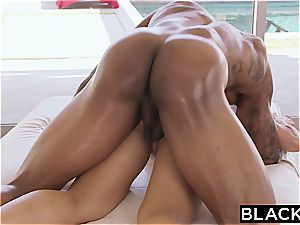 impressive Nicole Aniston gets humped by a ginormous black fuckpole