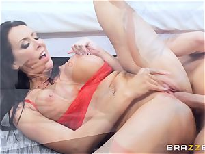 Keiran Lee shoots is load all over Reagan Foxx
