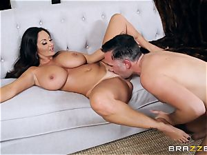 Ava Addams pounded in the pussyhole with the large man sausage of Keiran