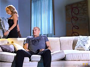 milf Parker Swayze steals her daughters-in-law bf