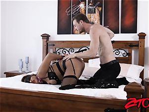 slave milf Mercedes Carrera stuffed with thick stiffy