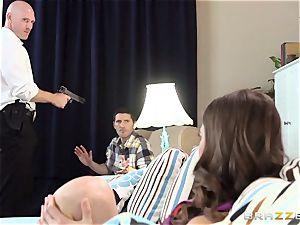 Riley Reid plumbs a cop for forgiveness