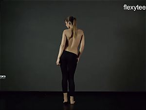 FlexyTeens - Zina demonstrates lithe bare bod