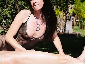 cougar India Summer creampied on the jerking table