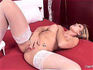 Capri Cavanni plays with herself