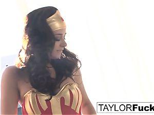 Taylor Is Wonder girl