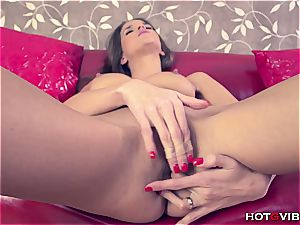 delectable damsel pleases herself so well she splatters