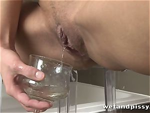 Sophie Lynx drizzling piss for the first-ever time