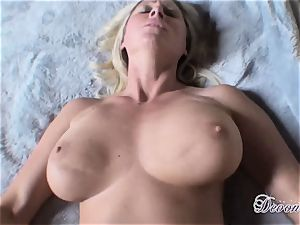 Devon Lee likes the monster muscle fuckin' her puss real great