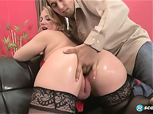 Brandi Sparks, giant bum phat ass white girl, curvaceous Gettig porked