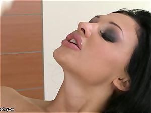 Aletta Ocean thumps her amazing frigs deep in her juicy shaven fuckbox