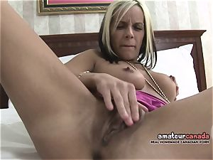 thin french Canadian babe homemade pornography frigs beaver