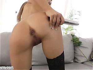 Roxy Bell luvs exclusively rectal